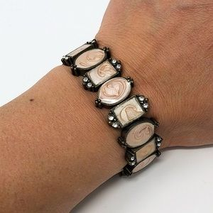 Pink faux-mother of pearl bracelet